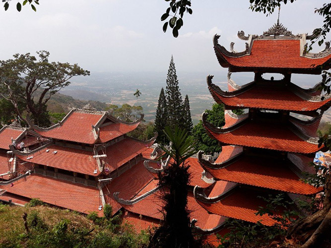 Chùa Linh Sơn Trường Thọ (Chùa Núi) huyện Hàm Thuận Nam